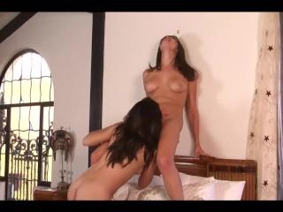 Holly vs Natalie Lesbian