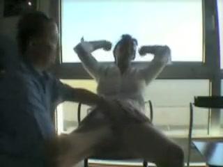 Un bracket de femme et d'homme matured décide de réaliser un de leur fantasme et s'exhibe et baise en bring in b induce dans un aéroport.