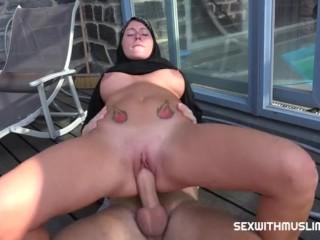 Hump With Muslim Hijab mother