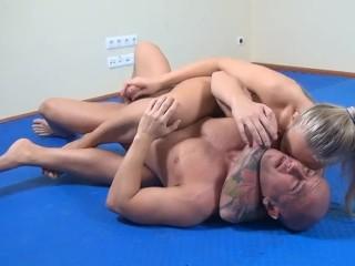 Titan Yana wrestling