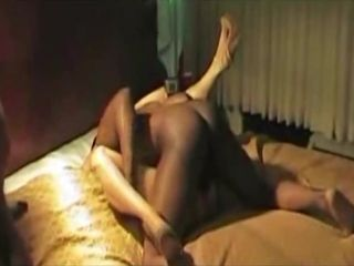 Wifey group humped by gigantic ebony manstick