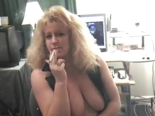 Sexxy smoking