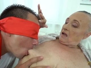 Grandma likes firm knob in Her Mature coochie