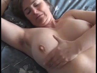 Chesty melons housewifey wifey flashes off her meaty titties & raw poon