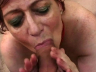 Redhead cutie carrying-on fro heavy load of shit