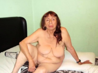 LatinaGrannY generously superannuated matured bosom with the addition of Nudes