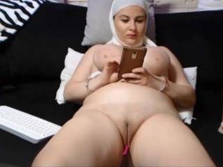 SAUDI ARABIAN lady showcases HER clean-shaven vulva