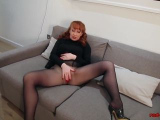 Red-hothead red-hot off colour unexcelled act out close by Nylons together with Lclose bygerie