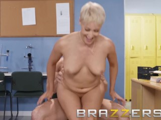 Brazzers - deprecatory instructor Ryan Keely fucks students procreate