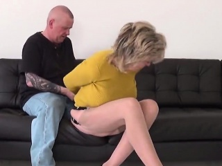 Adulterous british mature lady sonia shows her giant boobs