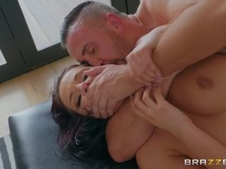 Keiran's buttfuck Day With sizzling Bright-Eyed cougar Jolee enjoy