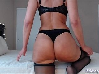 Phat ass white girl Mature Camgirl dirty dances