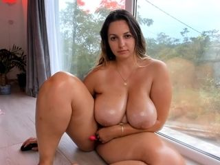 inviting an juicy cutie with beautiful breast