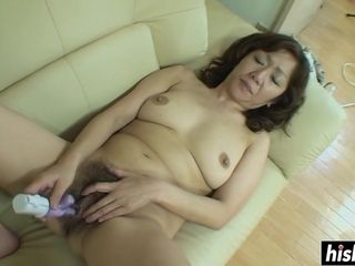 Chinese GILF gets her furry poon ravaged