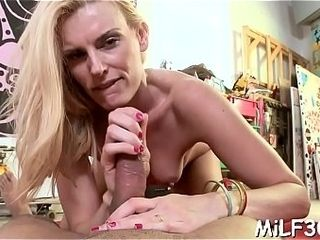 Old darling luvs getting her ass fucking rammed with fuck-fest plaything