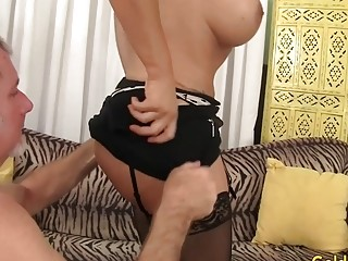 Mature Wildcat Nikki Ferrari deep throats on a large manmeat and Takes It in Her vag