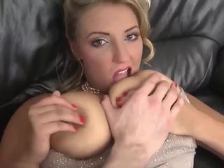 Bodacious MILF pops up in insane sex video