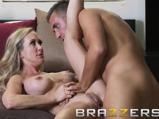 Brazzers - super-fucking-hot ash-blonde milf Brandi love ravages the delivery boy