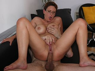 Uber-sexy big-boobed housewife enjoys a hefty man-meat up her cooch
