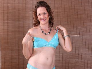 Ultra-cute american housewife likes playing alone