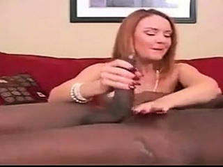 Broad in the beam mamma shady gives deceiving handjob