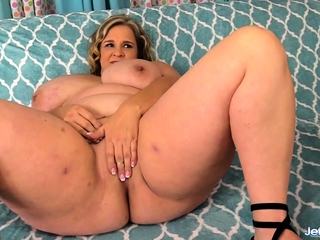 Socking Breasted BBW Rubs the brush Pussy coupled with Takes blarney