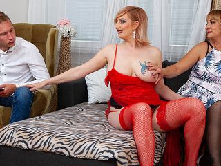2 blonde cougars share their toyboy's manmeat in super-hot three way
