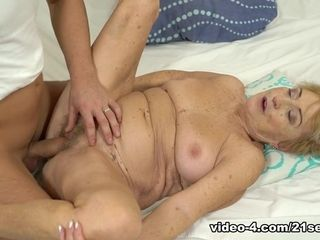 Malya in jizm On grandmother! - 21Sextreme