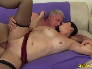 Sizzling short-haired cougar Kali porno movie