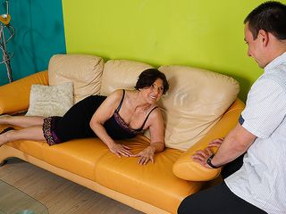 Insatiable housewife boning her plaything fellow