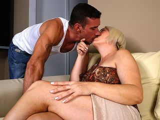 Nasty housewife poking and gargling