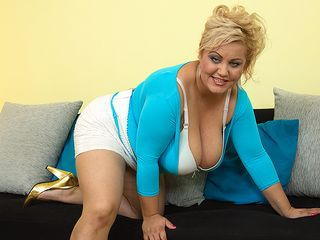 Large titted bootylicious housewife frolicking by herself