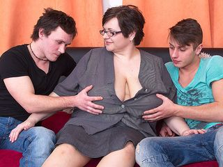 Meaty breasted plus-size tearing up 2 toy fellows at once