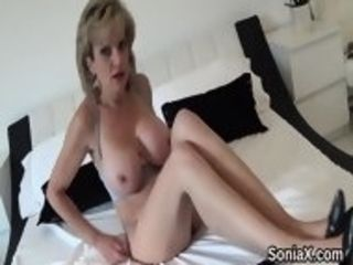 Unfaithful brit mature woman sonia showcases her ample bumpers