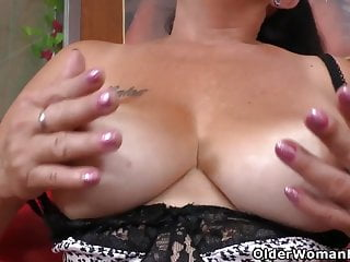 Latina housemilf Karina faux-cocks her wooly fuckbox