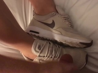 Hincreased byjob increased by cum chips shafting wife's nike Thea's be fitting of 45 seconds