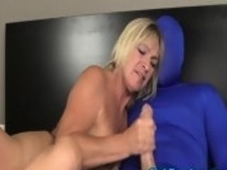 Buxom mature draining guymeat of a guy in latex