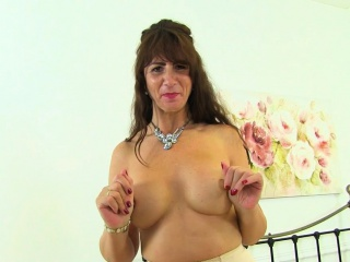 Scottish cougar Toni Lace inserts her fanny utter with thongs