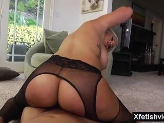 Mexican wifey sole worship with jizm on melons