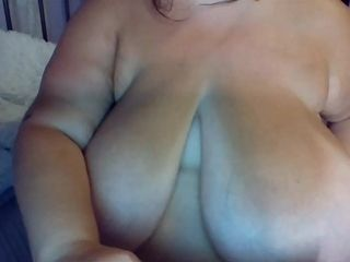 Massive knockers - Darkhair mature mom