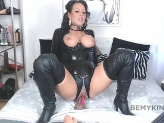 Exciting Big Knockers Mommy Is An Assfuck Bitch