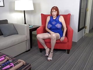 Ultra-kinky yankee mature nymph toying with herself