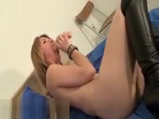 Super-hot lean Laying