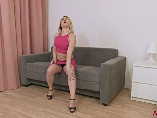 Mary Ann - Mature Pleasure solo masturbation
