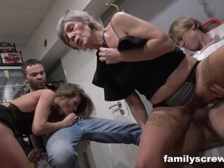 Grans Visit Swing Club - group fucking