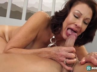 Big tits MILF likes to play with dildo machine