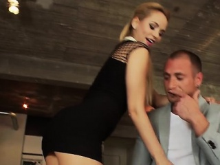 Fellow delights with mature pornstar for a complete hardcore
