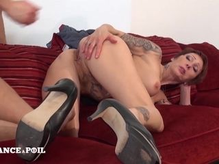 Big-Breasted Mommy Mom Seduces A Young stud