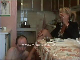 Mature italian feeding gimp