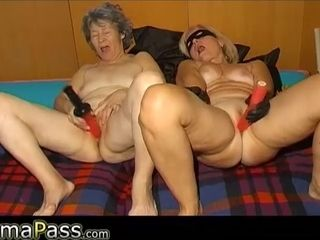 OmaPasS furry grandmother three way hook-up Mating with hook-uptoys